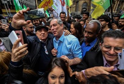 Ciro Gomes intensifica campanha nas ruas. Foto: AFP / Nelson ALMEIDA