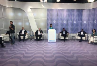 Candidatos ao governo do Rio participam de debate no SBT