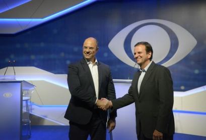Os candidatos ao governo do Rio de Janeiro, Eduardo Paes (DEM) e Wilson Witzel (PSC), participam de debate para o segundo turno das eleições 2018