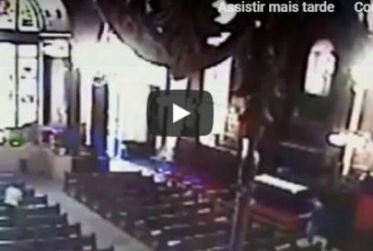 Câmera de segurança flagra momento em que homem abre fogo em catedral de Campinas