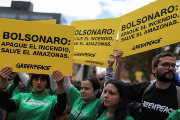 Não consigo matar câncer chamado ONGs, diz Bolsonaro